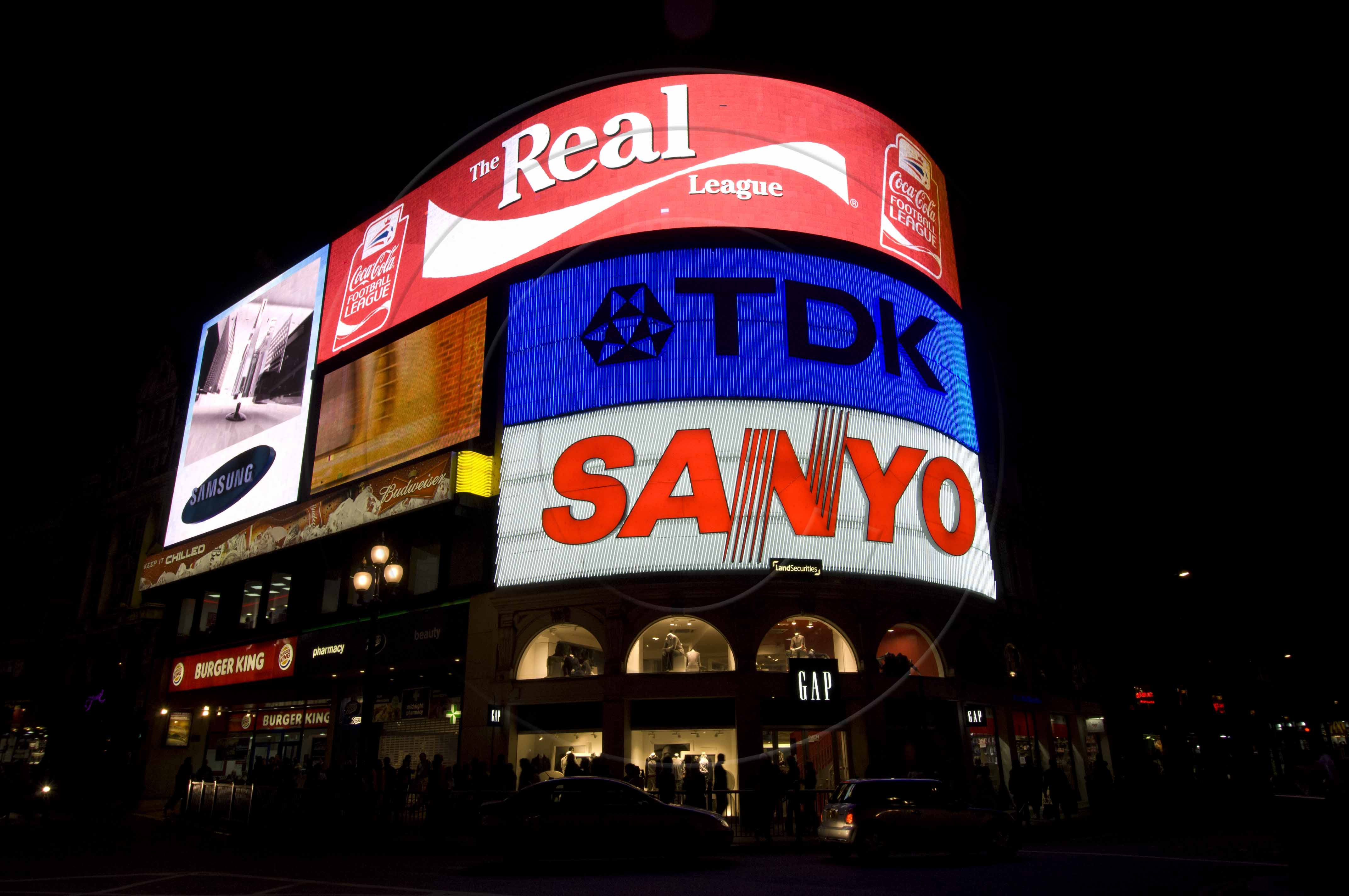 Picadilly Circus-1