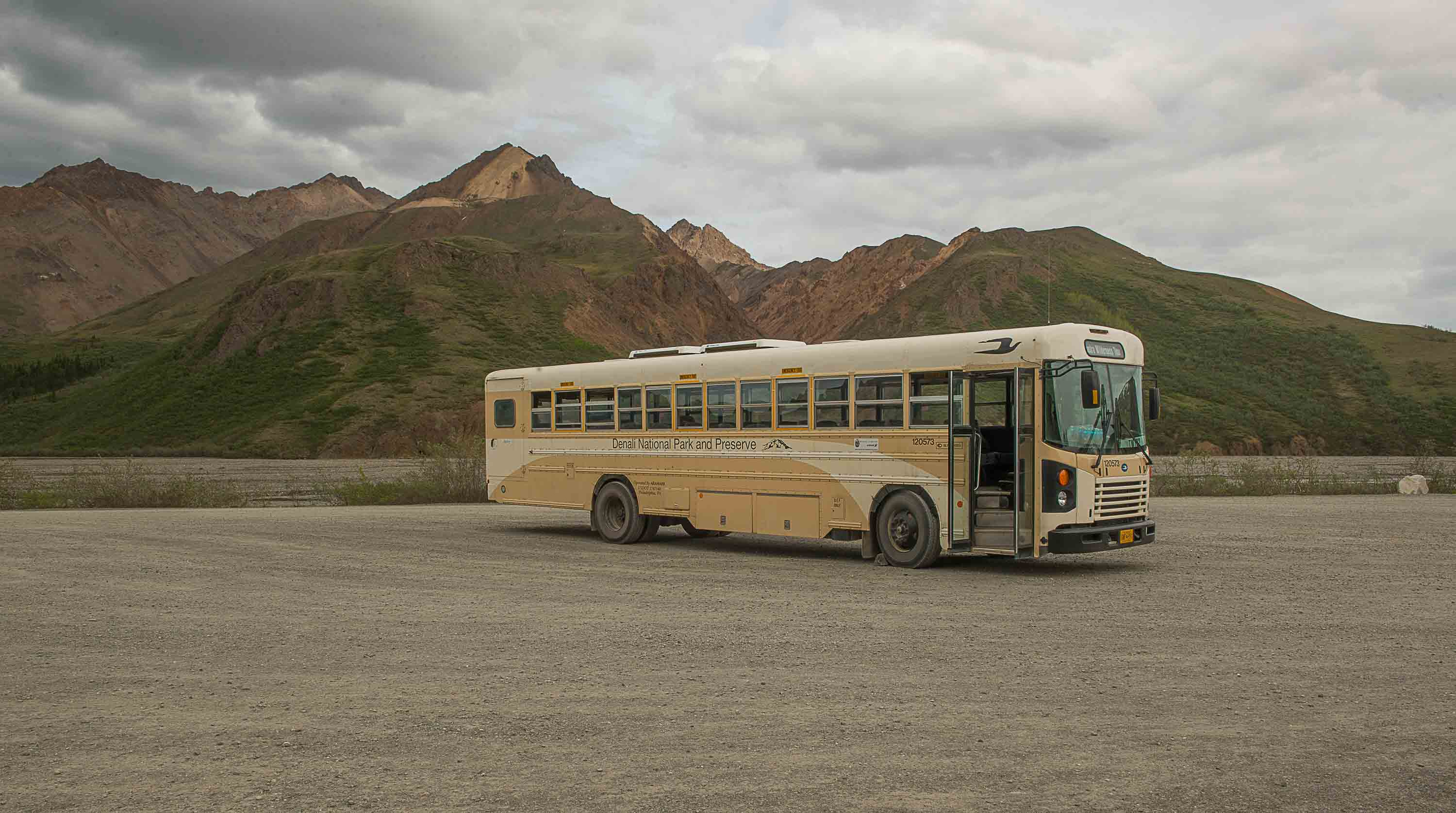 DENALI BUS (1 of 1)